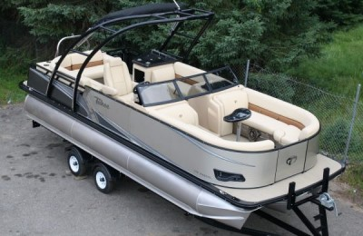 Понтонный катер Tahoe  2485 LTZ Cruise High Performance