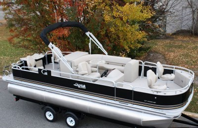 Понтонная лодка Tahoe  Grand Island 2385 GT Quad Fish